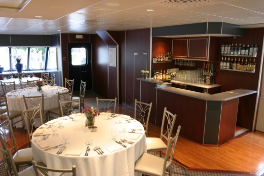 111-ft-party-yacht-dining-5