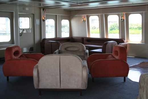 111-ft-party-yacht-lounge-1