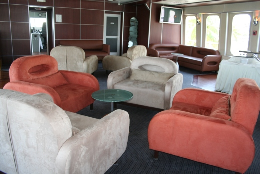 111-ft-party-yacht-lounge-2